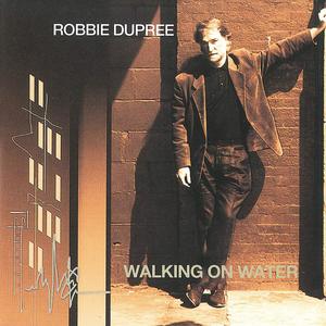 WALKING ON WATER / 傷心の街
